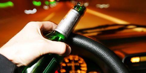 Finger, Green, Bottle, Amber, Nail, Technology, Glass bottle, Thumb, Beer bottle, Telephony,