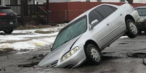 Land vehicle, Vehicle, Car, Vehicle door, Mid-size car, Automotive tire, Automotive wheel system, Honda accord, Honda, Sedan,
