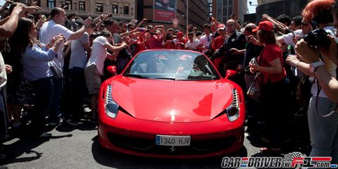 Automotive design, Mode of transport, Vehicle, Event, Performance car, Car, Supercar, Red, Personal luxury car, Crowd,