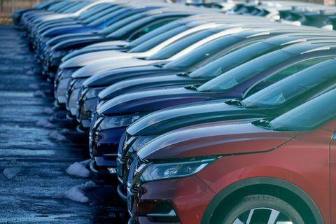 Land vehicle, Car, Automotive design, Vehicle, Compact car, Mid-size car, Automotive exterior, Mini SUV, Grille, Hatchback,