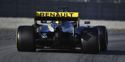 Land vehicle, Vehicle, Race car, Formula one, Formula one car, Formula libre, Formula one tyres, Tire, Automotive tire, Open-wheel car,