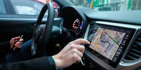 Motor vehicle, Gps navigation device, Mode of transport, Steering part, Automotive navigation system, Transport, Electronic device, Steering wheel, Display device, Technology,