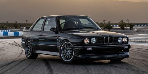 Land vehicle, Vehicle, Car, Personal luxury car, Bmw, Coupé, Bmw 3 series (e30), Bumper, Automotive design, Alloy wheel,