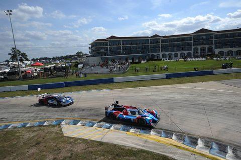 Race track, Vehicle, Race car, Racing, Motorsport, Formula libre, Car, Auto racing, Endurance racing (motorsport), Sport venue,