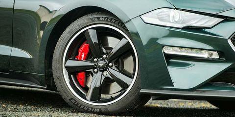 Tire, Wheel, Automotive tire, Automotive design, Alloy wheel, Automotive wheel system, Vehicle, Automotive exterior, Rim, Spoke,