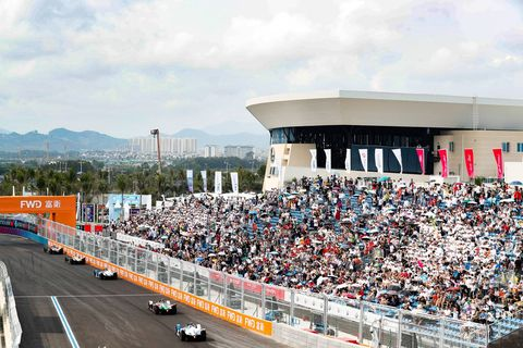 Race track, Sport venue, Crowd, Stadium, Vehicle, Arena, Fan, Racing, Car, Endurance racing (motorsport),