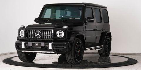 Land vehicle, Vehicle, Car, Tire, Automotive tire, White, Motor vehicle, Rim, Wheel, Mercedes-benz g-class,