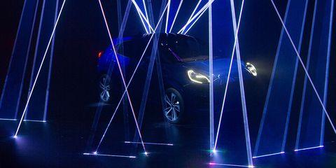 Light, Visual effect lighting, Lighting, Electric blue, Spoke, Wheel, Technology, Performance, Laser, Neon,