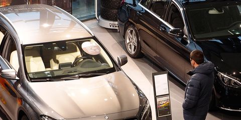 Land vehicle, Vehicle, Car, Personal luxury car, Luxury vehicle, Windshield, Automotive design, Executive car, Automotive exterior, Glass,