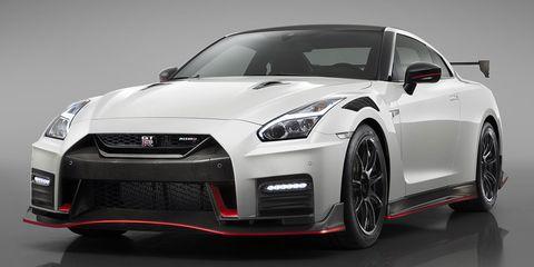 Land vehicle, Vehicle, Car, Sports car, Performance car, Automotive design, Supercar, Nissan gt-r, Motor vehicle, Coupé,