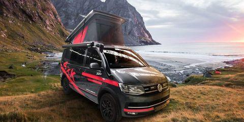 Vehicle, Car, Volkswagen transporter t5, Volkswagen, Motor vehicle, Van, Minivan, Commercial vehicle, Bumper, Automotive design,