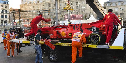 Vehicle, Motorsport, Car, Race car, Racing, Formula one car, Pit stop, Auto racing, Tire, Automotive wheel system,