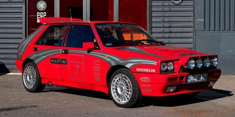 Land vehicle, Vehicle, Car, Regularity rally, Sedan, Coupé, Automotive wheel system, Lancia delta, Race car, Classic car,