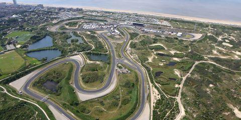 Aerial photography, Bird's-eye view, Natural landscape, Road, Race track, Junction, Water resources, Metropolitan area, Waterway, Urban design,