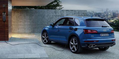 Land vehicle, Vehicle, Car, Automotive design, Automotive tire, Tire, Audi, Rim, Motor vehicle, Sport utility vehicle,