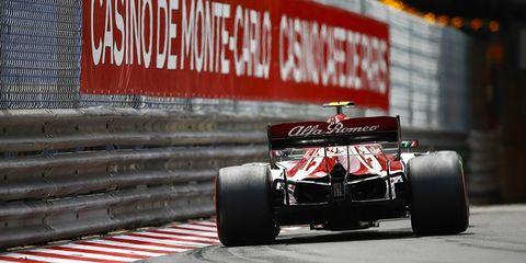 Formula one, Motorsport, Formula libre, Race car, Formula one tyres, Formula one car, Open-wheel car, Vehicle, Racing, Automotive tire,