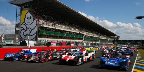 Race car, Vehicle, Formula libre, Race track, Endurance racing (motorsport), Sports car racing, Motorsport, Car, Racing, Sports prototype,