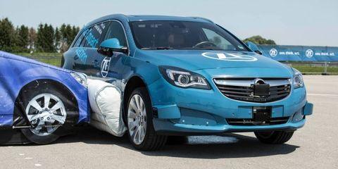 Land vehicle, Vehicle, Car, Motor vehicle, Automotive design, Sedan, Luxury vehicle, Technology, Mid-size car, Full-size car,