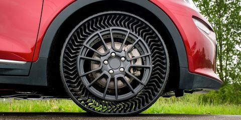 Land vehicle, Alloy wheel, Vehicle, Wheel, Rim, Car, Spoke, Tire, Auto part, Automotive wheel system,
