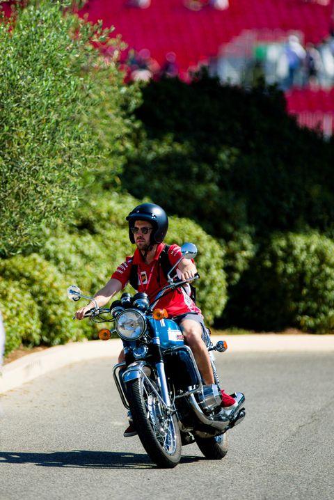 Land vehicle, Vehicle, Motorcycle, Motorcycling, Road racing, Helmet, Motorcycle racing, Racing, Motorsport, Tree,