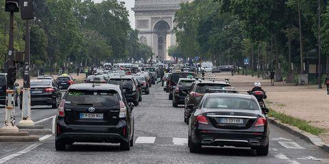 Land vehicle, Vehicle, Car, Luxury vehicle, Transport, Mode of transport, Mid-size car, Mercedes-benz, Traffic, Family car,