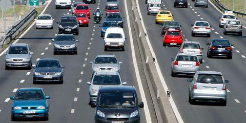 Motor vehicle, Automotive mirror, Mode of transport, Land vehicle, Road, Vehicle, Automotive design, Automotive tail & brake light, Transport, Car,