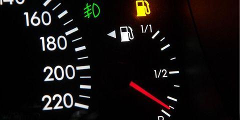 Mode of transport, Red, Gauge, Line, Light, Orange, Measuring instrument, Number, Circle, Speedometer,