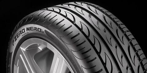 Motor vehicle, Tire, Automotive tire, Automotive design, Automotive exterior, Rim, Automotive wheel system, Synthetic rubber, Alloy wheel, Tread,