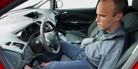 Motor vehicle, Steering part, Automotive design, Steering wheel, Vehicle, Automotive mirror, Car, Vehicle door, Technology, Center console,