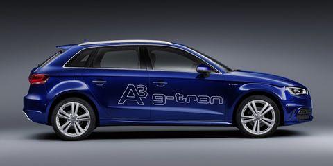 Tire, Wheel, Automotive design, Vehicle, Rim, Alloy wheel, Car, Spoke, Full-size car, Electric blue,