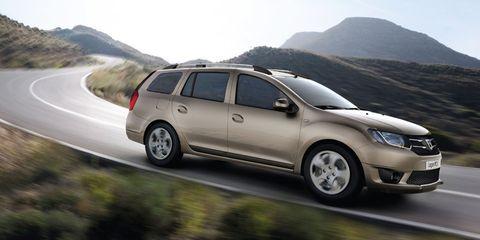 Tire, Wheel, Automotive tire, Vehicle, Automotive mirror, Land vehicle, Rim, Automotive design, Car, Hill,