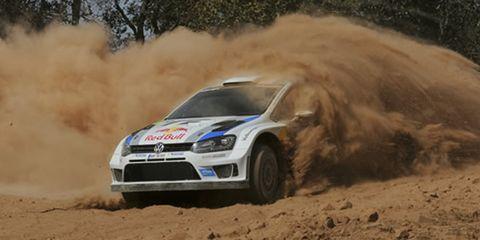 Automotive design, Vehicle, Land vehicle, Motorsport, Dust, Car, Soil, Rallying, Racing, Auto racing,