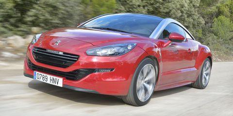 Tire, Wheel, Automotive design, Vehicle, Land vehicle, Car, Automotive mirror, Red, Rim, Hood,