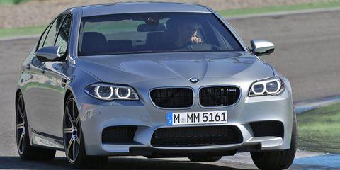 Automotive design, Vehicle, Hood, Land vehicle, Automotive exterior, Car, Grille, Rim, Vehicle registration plate, Bumper,
