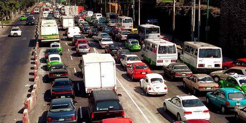 Motor vehicle, Mode of transport, Land vehicle, Vehicle, Automotive design, Transport, Automotive parking light, Automotive tail & brake light, Automotive exterior, Car,