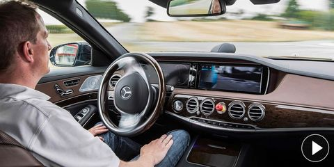 Motor vehicle, Steering part, Automotive mirror, Mode of transport, Automotive design, Steering wheel, Vehicle, Car, Center console, Glass,