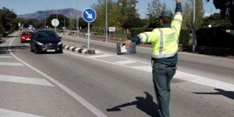 Motor vehicle, Road, Mode of transport, Asphalt, Transport, Road surface, Lane, Infrastructure, Highway, Automotive mirror,