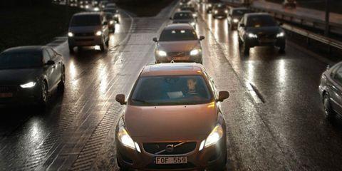 Motor vehicle, Mode of transport, Land vehicle, Automotive design, Vehicle, Transport, Automotive mirror, Car, Infrastructure, Automotive exterior,