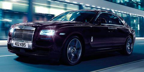 Tire, Wheel, Automotive design, Vehicle, Land vehicle, Transport, Car, Headlamp, Vehicle registration plate, Automotive lighting,