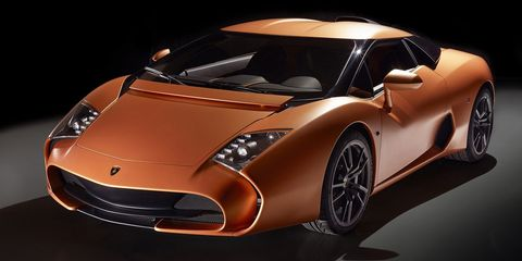 Motor vehicle, Tire, Mode of transport, Automotive design, Vehicle, Automotive exterior, Automotive mirror, Transport, Land vehicle, Vehicle door,