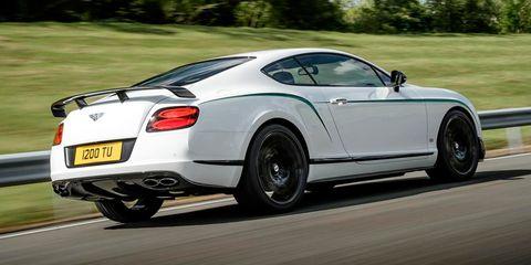 Tire, Automotive design, Vehicle, Land vehicle, Car, Performance car, Vehicle registration plate, Rim, Fender, Supercar,