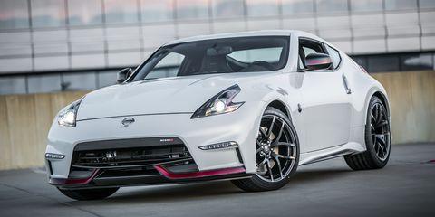 Wheel, Tire, Automotive design, Vehicle, Headlamp, Performance car, Rim, Car, Automotive lighting, Sports car,