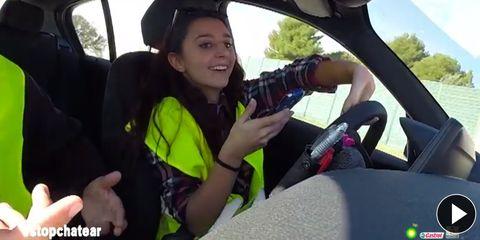 Motor vehicle, Finger, Hand, Car seat, Vehicle door, Glass, Travel, Seat belt, Steering part, Thumb,