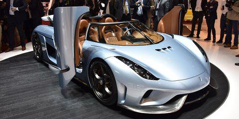 Mode of transport, Automotive design, Vehicle, Event, Land vehicle, Supercar, Rim, Car, Alloy wheel, Sports car,
