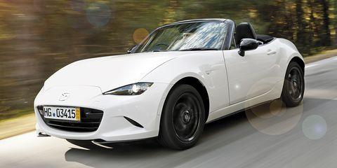 Wheel, Tire, Automotive design, Vehicle, Land vehicle, Automotive mirror, Hood, Car, Headlamp, Performance car,