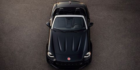 Mode of transport, Automotive design, Vehicle, Car, Performance car, Automotive exterior, Hood, Personal luxury car, Supercar, Luxury vehicle,