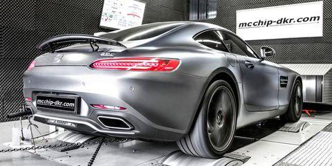 Automotive design, Vehicle, Land vehicle, Performance car, Car, Vehicle registration plate, Automotive lighting, Personal luxury car, Fender, Sports car,
