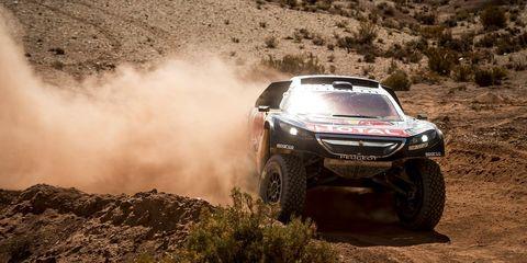 Tire, Automotive design, Vehicle, Landscape, Automotive tire, Automotive exterior, Motorsport, Dust, Soil, Rallying,