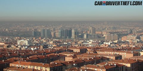 Daytime, Metropolitan area, Brown, Urban area, City, Residential area, Neighbourhood, Tower block, Property, Metropolis,