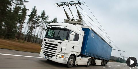 Motor vehicle, Mode of transport, Truck, trailer truck, Automotive design, Transport, Road, Automotive mirror, Vehicle, Land vehicle,